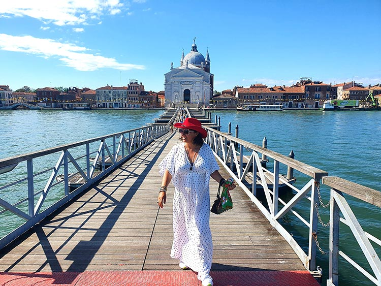 Stetson-Red-Cowboy-hat-Gracie-Opulanza-2020-Venice-1