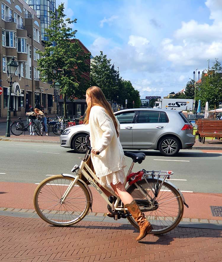 cowboy boots The Hague Holland Riding bike city (2