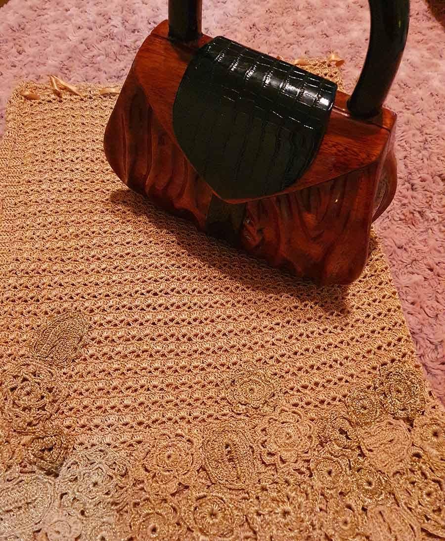 acacia-wooden-handbag-1