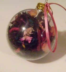 glass-ornaments-008