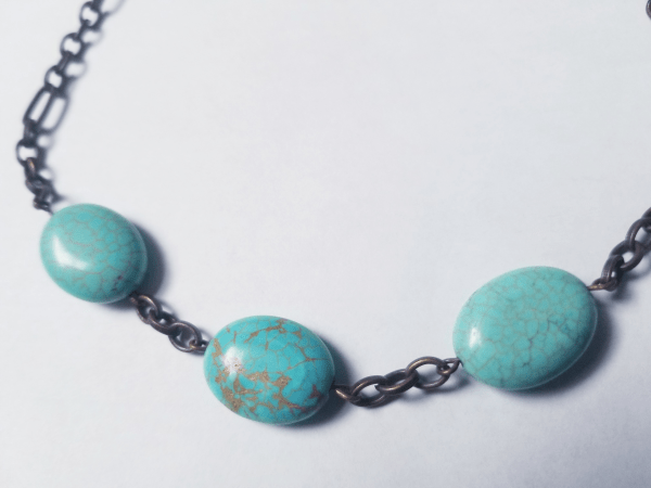 Blue and Chain Necklace