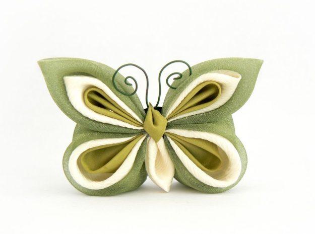 Fluture kanzashi verde deschis matase organza baza dubla brosa clama