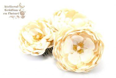 flori nunta crem satin clama