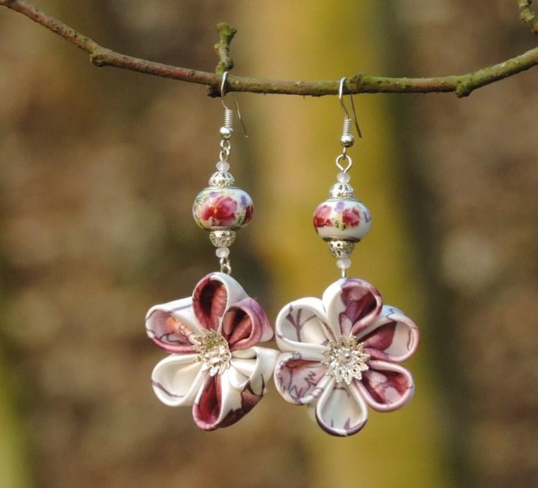 Colectia flori de mina - cercei flori kanzashi satin roz