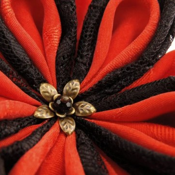Floare de lotus din matase dantela negru rosu cu auriu detaliu