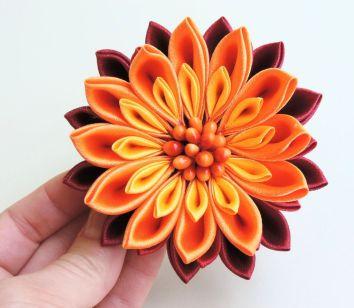 Crizantema din satin degrade - floare kanzashi material textil