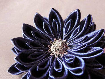 tutorial crizantema mare floare kanzashi satin detaliu