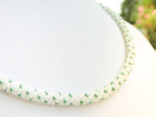 Colier margele Preciosa crosetate - alb transparent si verde metalizat - bead crochet