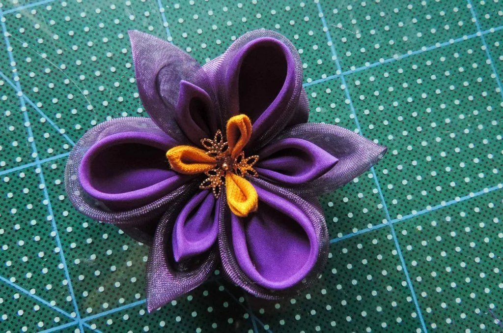 Silk organza fabric iris flower tutorial