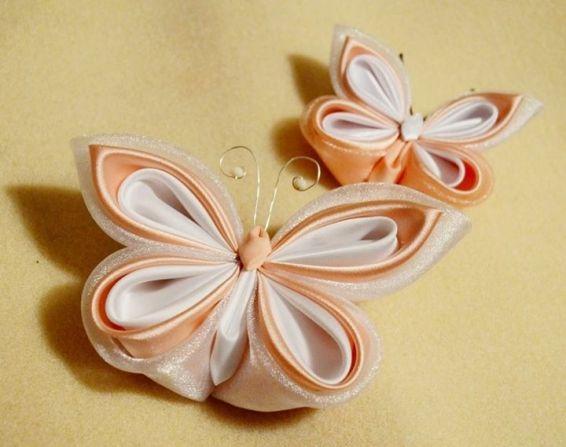 Fluturi din satin alb si roz-piersica pentru mireasa si mire