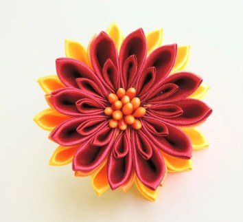 Intense satin chrysanthemum - DIY tutorial
