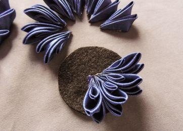Kanzashi chrysanthemum original tutorial 7