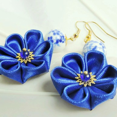 Fabric flower earrings - intense blue