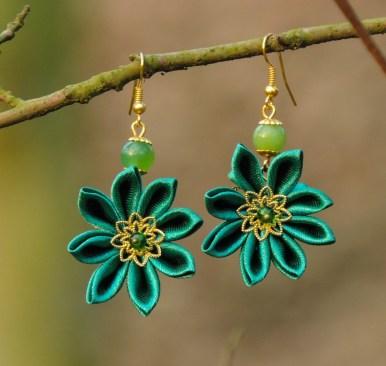 Fabric flower earrings - green