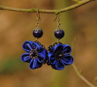 Fabric flower earrings - royal blue