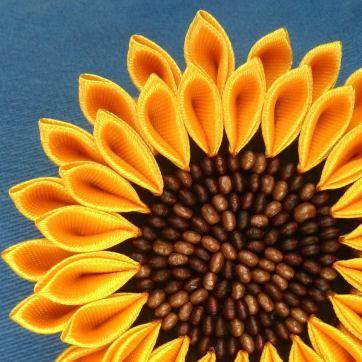 Floarea soarelui cu margele de lemn