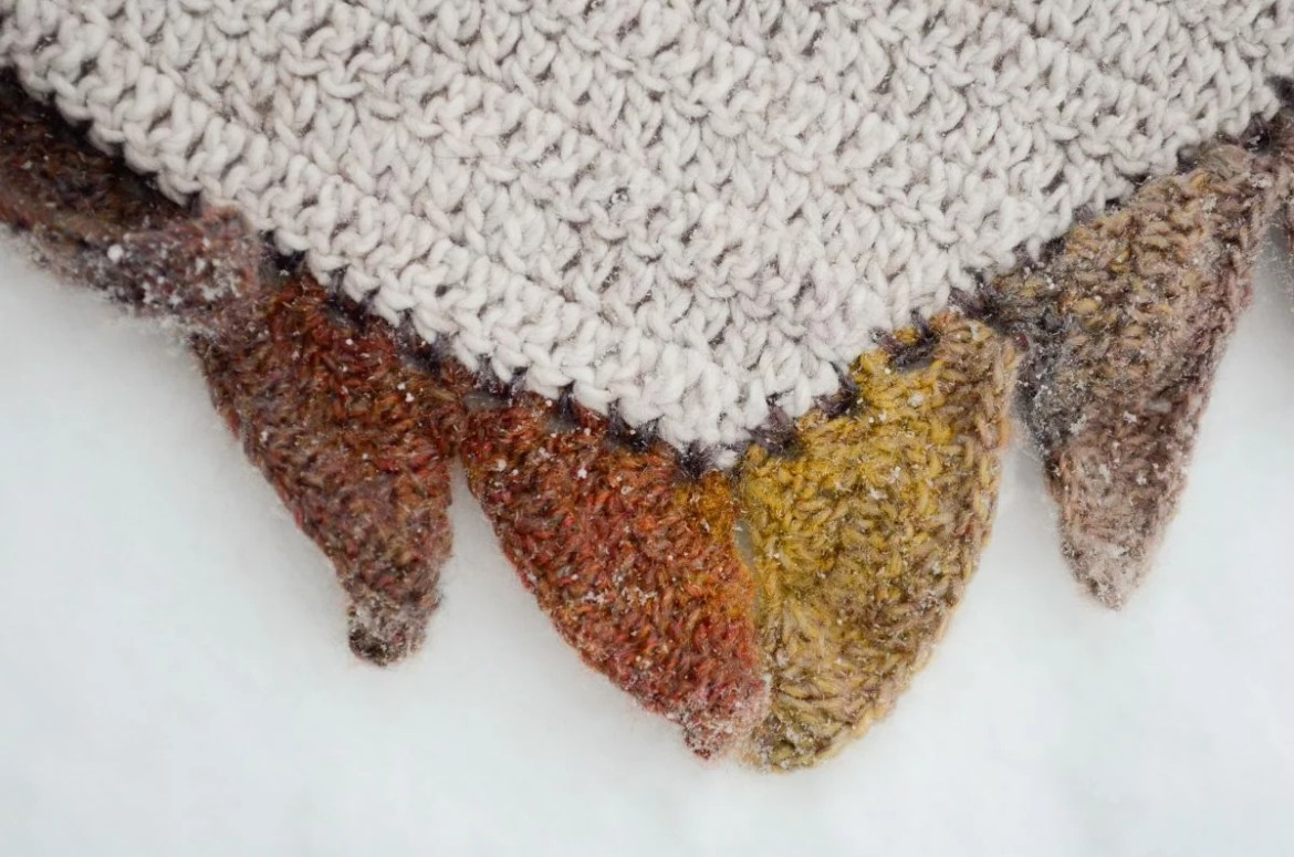 In flames Crochet Crescent Shawl 14