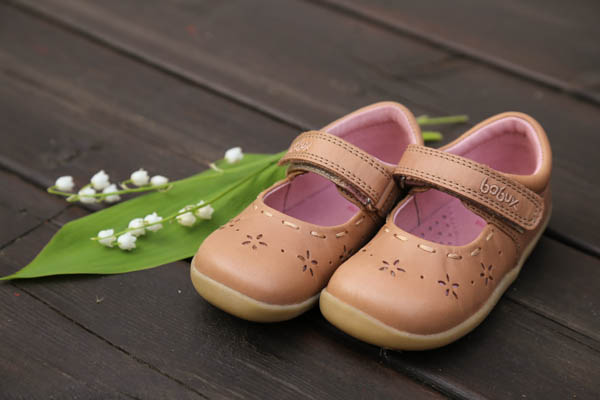 Lära gå-sandaler från Bobux