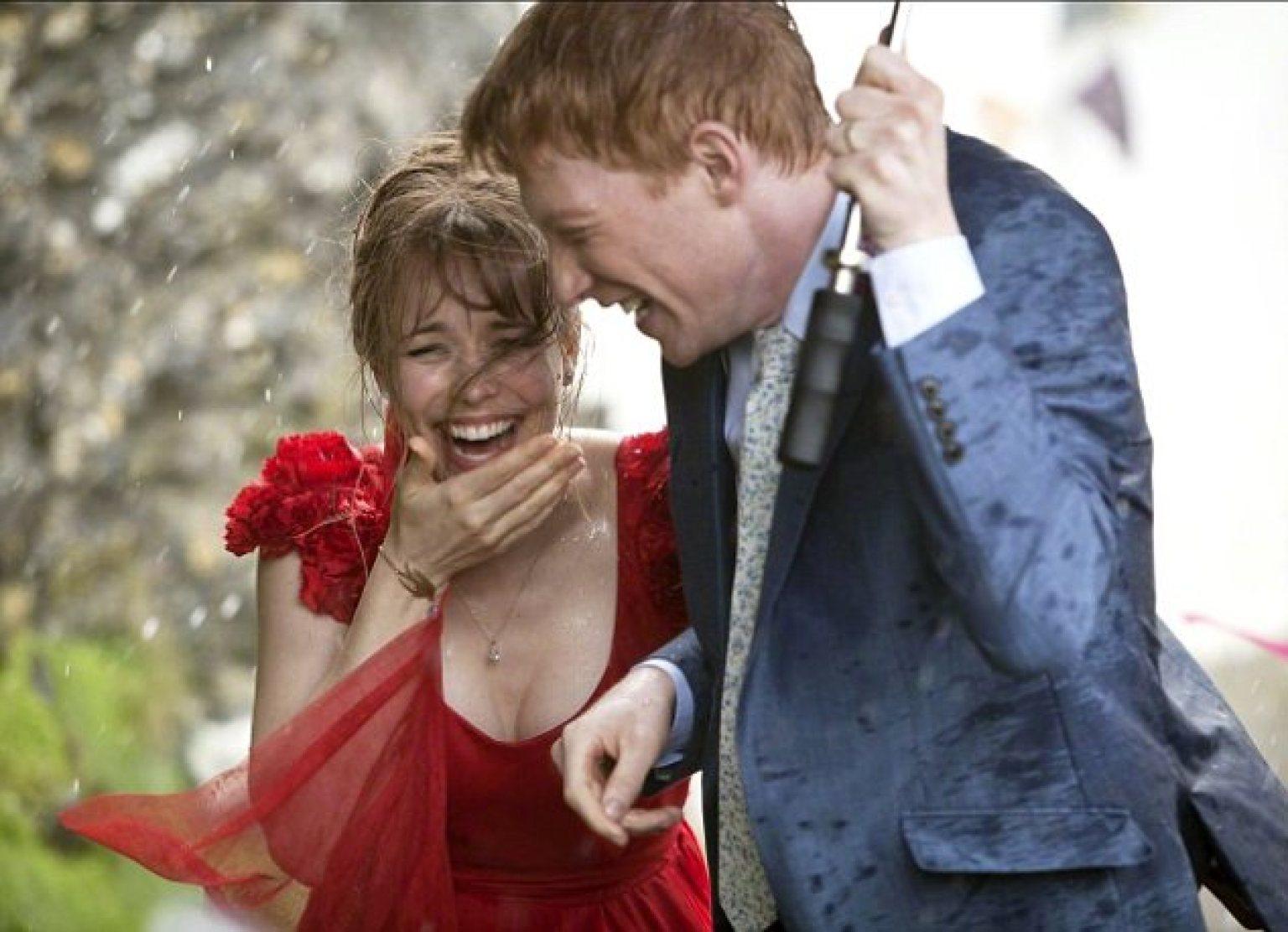 Mary (Rachel McAdams) and Tim (Domhnall Gleeson).