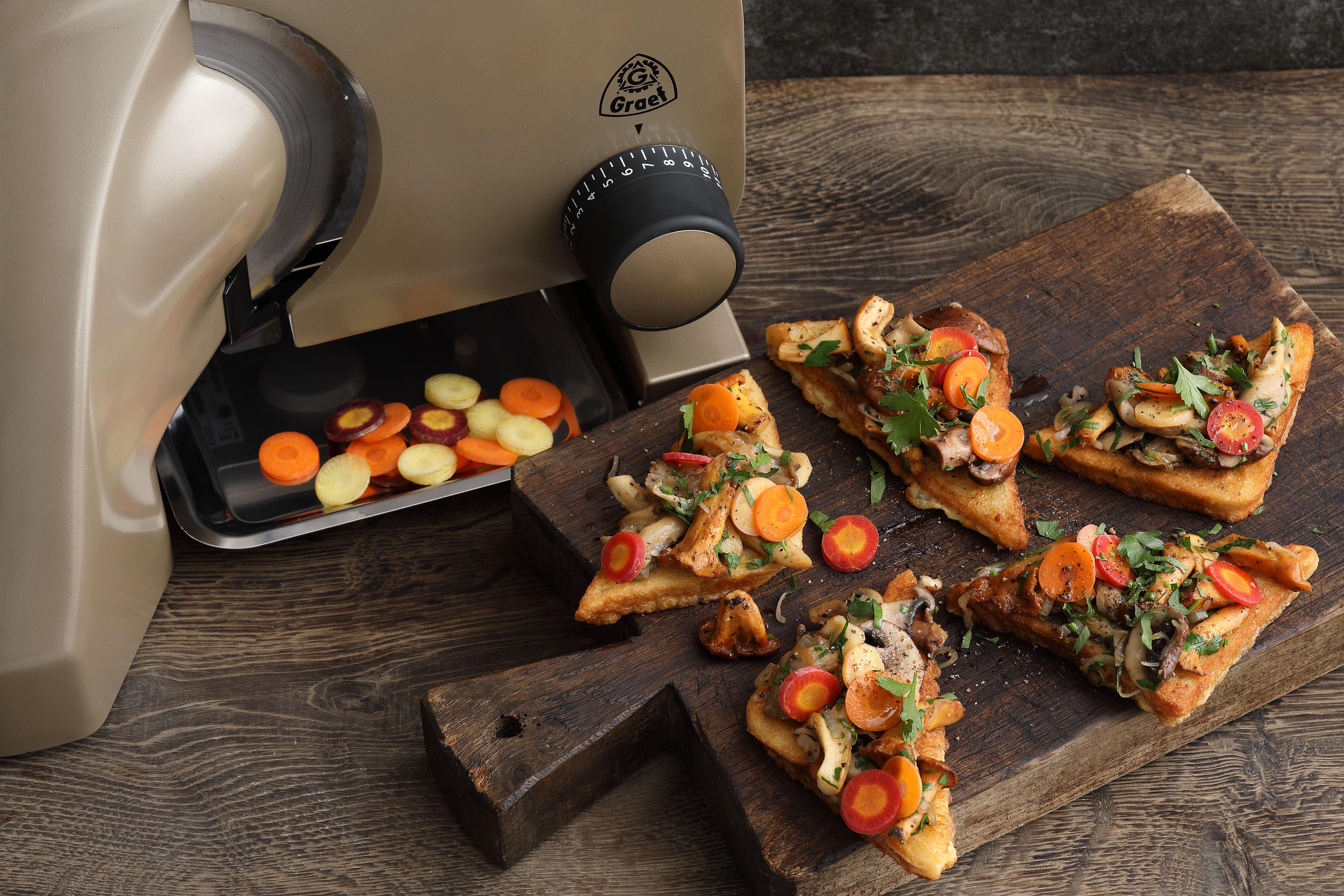 Pilzparty auf Toast