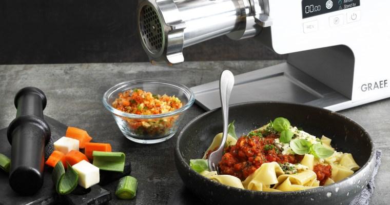 Gemüsebolognese mit Pappardelle und Büffelmozzarella
