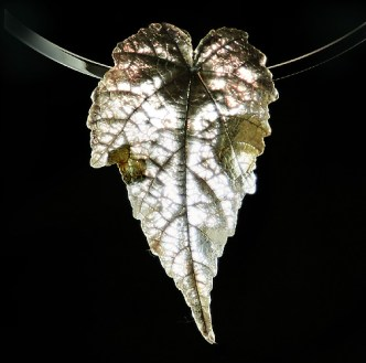 Fine Silver  Flowering Maple leaf