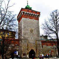 Kraków Polska brama baszta Brama Floriańska mur zabytek zabytki atrakcja turystyczna