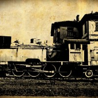 Lokomotywa pociąg zabytek ciuchcia szyny stare zdjęcie