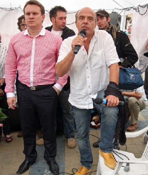 Stowarzyszenie Solidarni 2010, z którym związany jest  Jan Pospieszalski, zasłynęło pikietą namiotową