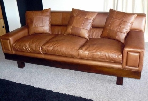 Contemporary leather settee