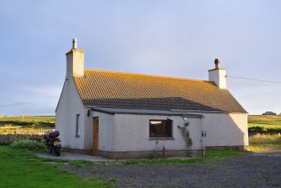 Croft cottage, Canisbay Bay