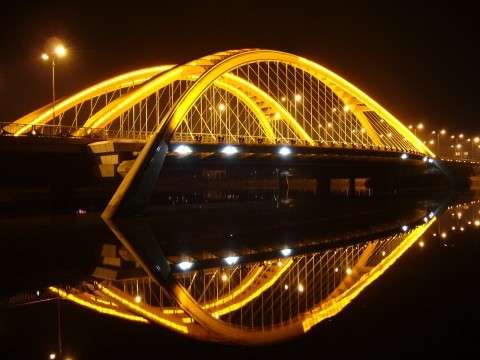 Yiwu bridge at night