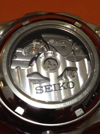 The Credor-only 8L36 is similar to the 9S56 movement found in Grand Seiko GMT watches