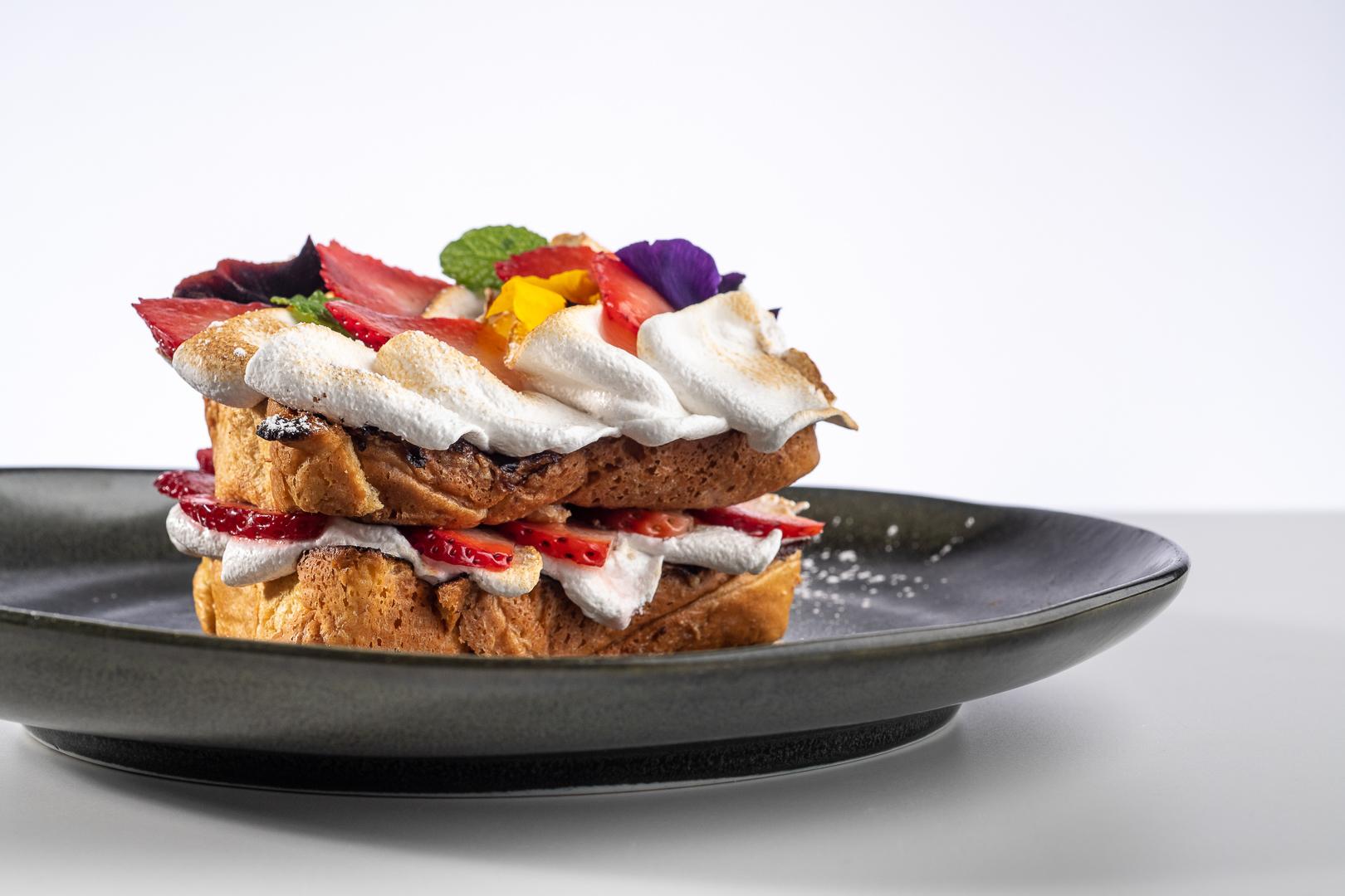 Pavlova French Toast