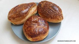 pogaça, petit pain turc comme le simit, spécialité d'Istanbul et Turquie