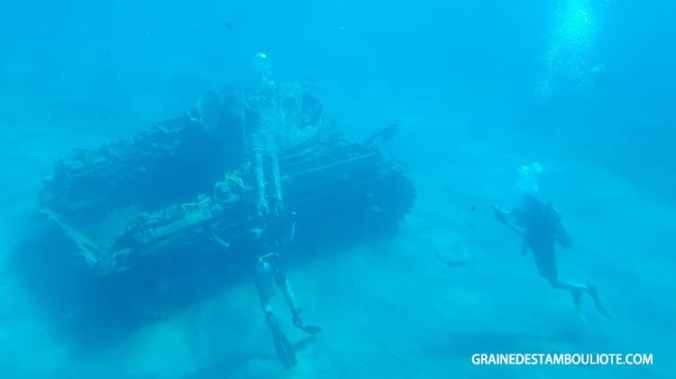 épave du tank pour plongée dans la mer rouge à Aqaba en jordanie