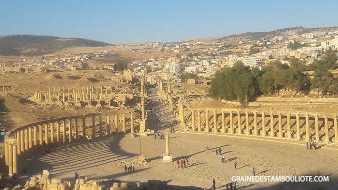 place ovale site antique de jerash ou gerasa en jordanie