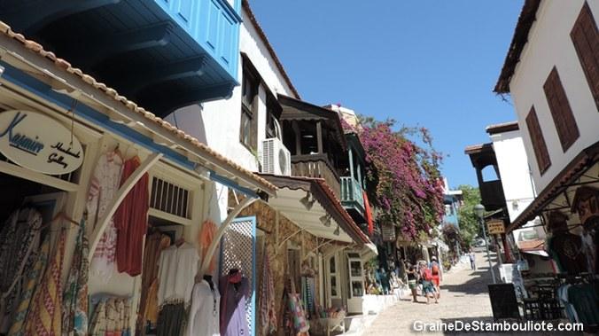 ruelles de Kas, sur la côte turquoise méditerranéenne de Turquie