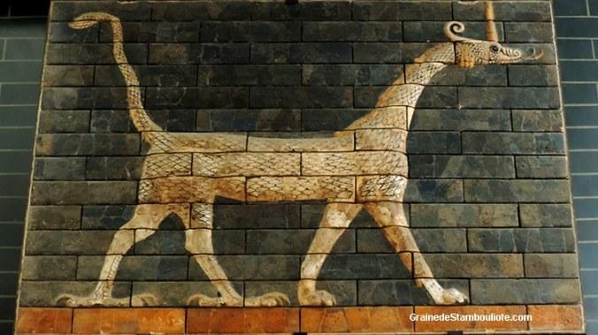 Babylone, porte Ishtar, dragon, voie processionnelle, brique peinte émaillée