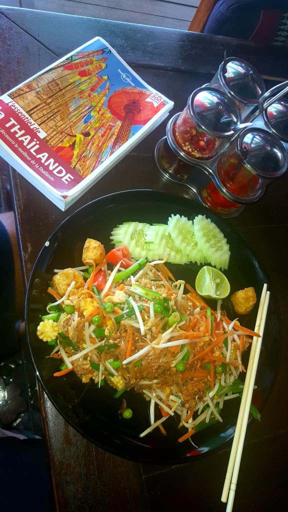pad-thai bangkok plat traditionnel thailande