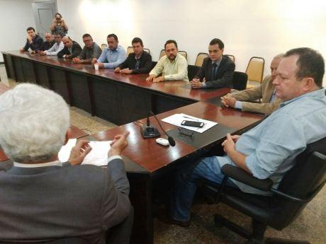 Encontro do prefeito e vereadores de Grajaú com o vice-governador 01