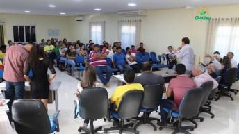 prefeitura entrega certificado de cursos 20