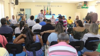 prefeitura entrega certificado de cursos 25