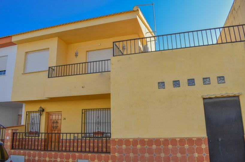 granada-estate-agency-for-sale, lake-bermejales, real-estate-granada-spain, town-house-for-sale-20-minutes-from-granada-city