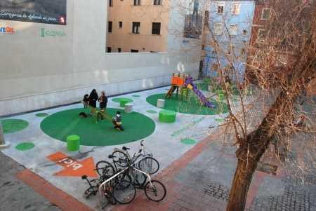 http://granadablogs.com/gr-arquitectos/2012/08/06/se-empieza-quitando-una-capa-de-pintura/