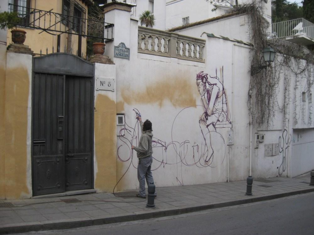 El Niño de las Pinturas at work. (2/6)