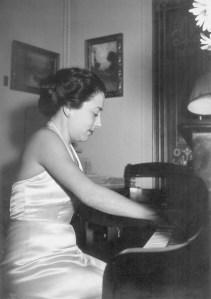 Foto Alicia de Larrocha 1948