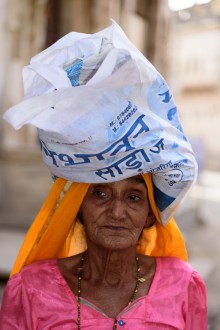La vieille dame au paquet