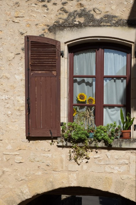 Fenêtre décorée sur l'Arceau-K17_4092