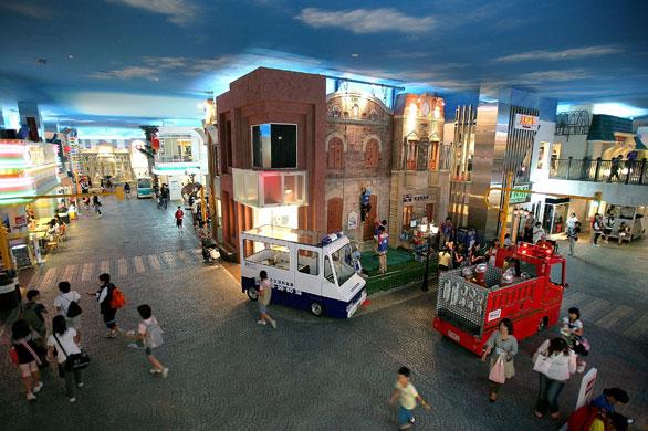Inaugura Kidzania nuevo parque en la ciudad de México